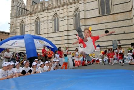 L'atletica va a scuola: 500 bambini con Fabrizio Mori