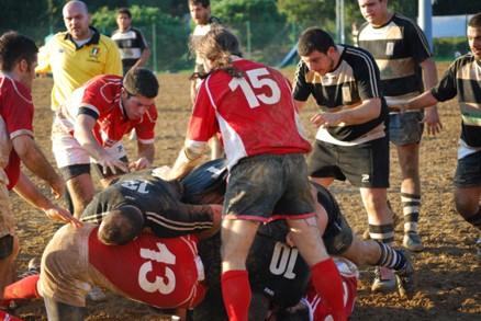 Rugby: buona partita del Cus, ma non basta
