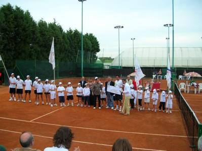 """Tennis: Di Meo vince il trofeo """"Città del cristallo"""""""