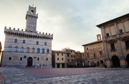 Montepulciano: sindaco e sindacati contro la chiusura dell'ufficio postale