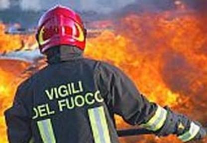 Incendio di sterpaglie a Gaiole in Chianti