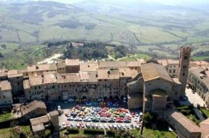 Vandalismo a Radicofani: solidarietà all'artista Pieroni