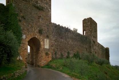 """Monteriggioni: 12 nuovi inquilini """"a canone concordato"""""""