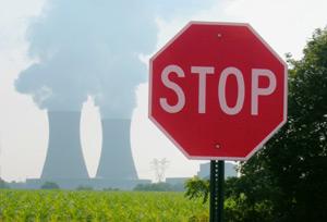 """Nucleare """"poco costoso"""" e scorie radiattive """"utili""""? Non risulta"""