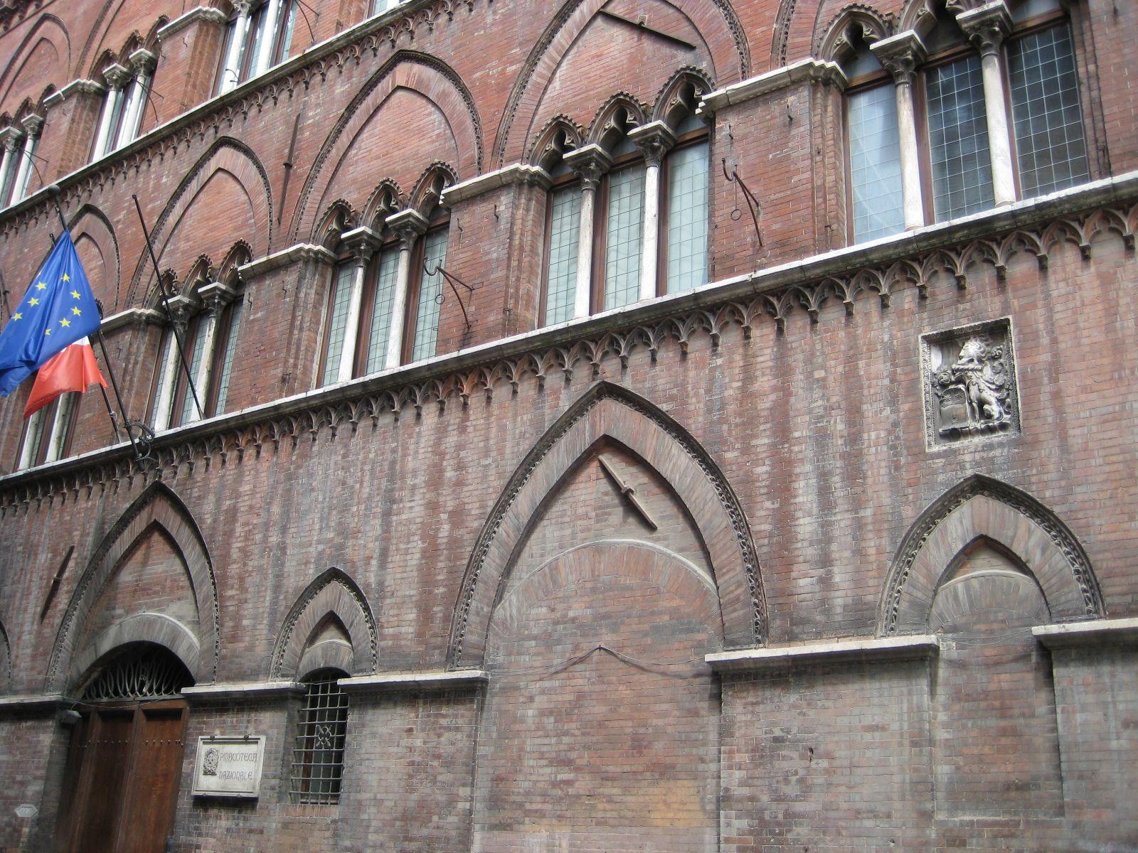 Ipotesi chiusura della Pinacoteca: Sinistra per Siena interviene
