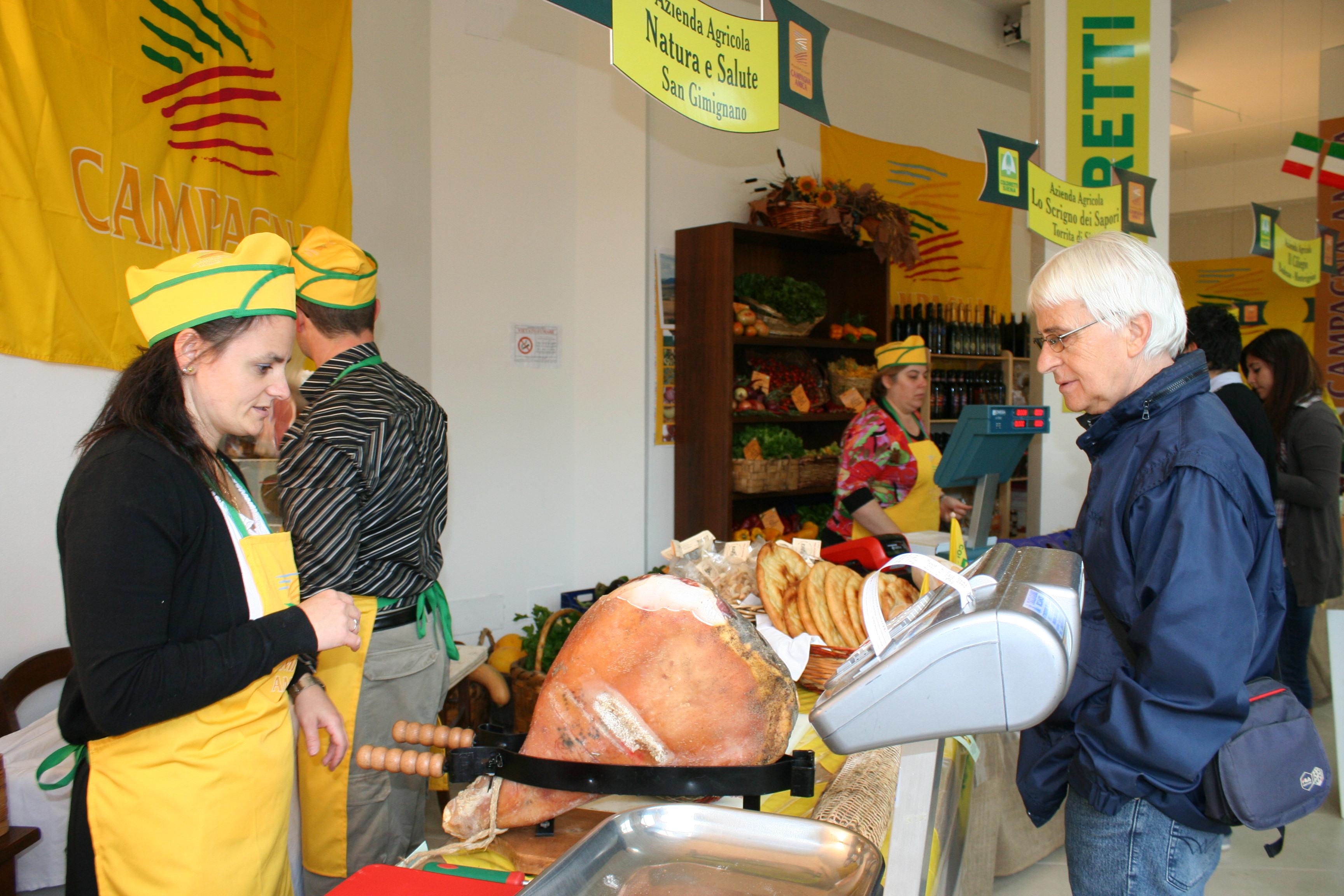 Il mercato di Campagna Amica trasloca in via Frajese