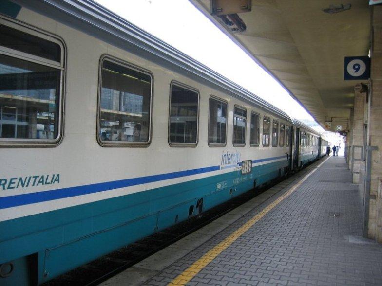 Aggressione alla capotreno: scatta lo sciopero in Toscana