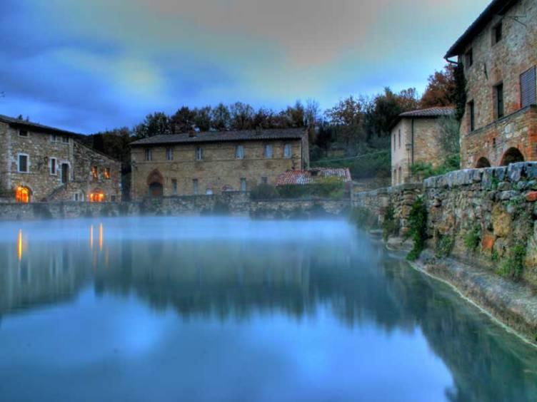 A Bagno Vignoni arrivano Cacciari e Mercalli per celebrare le acque ...