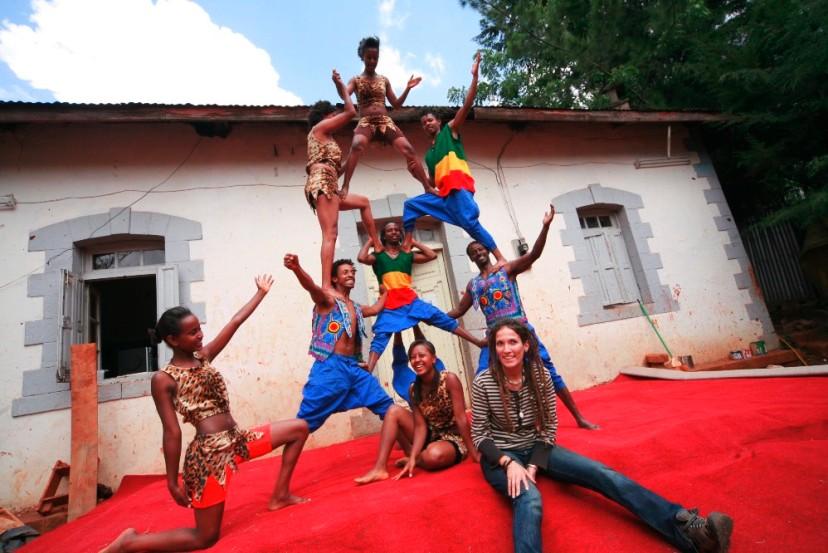 Arte circense africana accende la notte di Monteroni