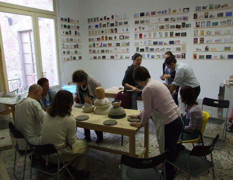 """Al Siena Art Institute i bimbi imparano """"l'arte"""" con mamma e papà"""