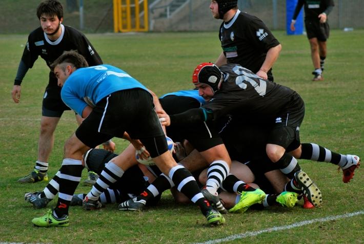 Rugby: Siena non brilla ma vince