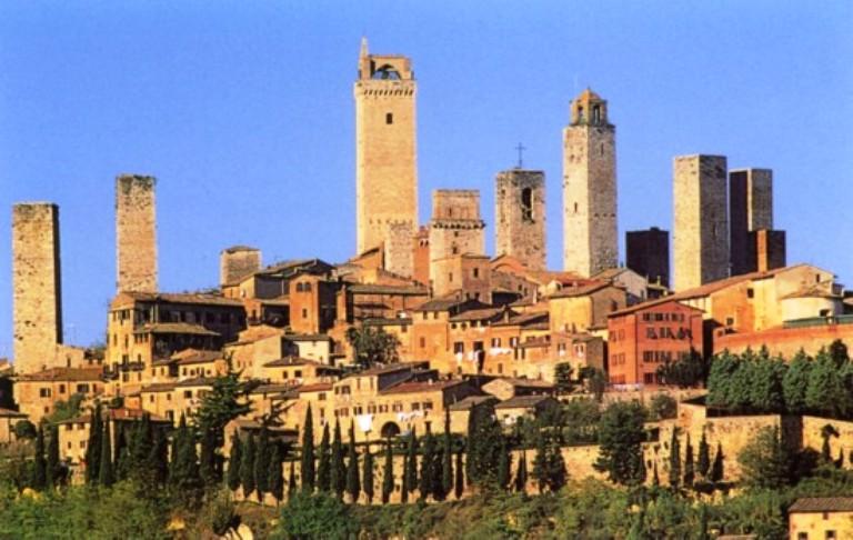Beni comuni urbani: a San Gimignano l'amministrazione fa un patto coi cittadini