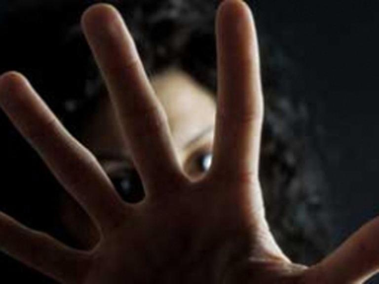 """PD: """"Il codice rosso non basta contro la violenza sulle donne"""""""