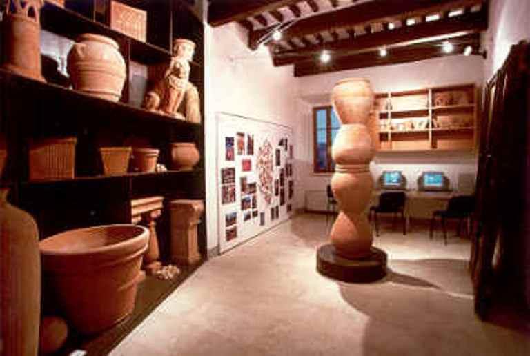 I vasai dell'Abbadia Nuova  in mostra al Museo della Terracotta di Petroio