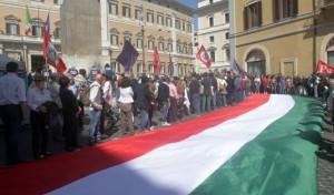 "ROMA: NOTTE BIANCA IN PIAZZA PER GRIDARE ""VERGOGNA"""