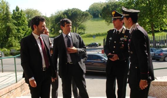 Lupi in visista al Comando Provinciale dei Carabinieri