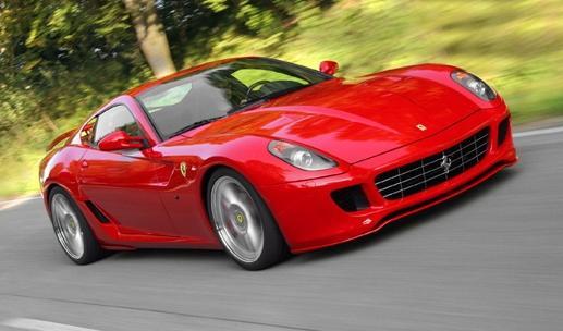 """""""La Corsa di Alcide"""" mette in pista anche le Ferrari"""