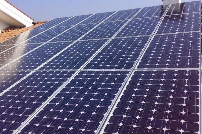 Pannelli fotovoltaici su tre scuole di proprietà della Provincia