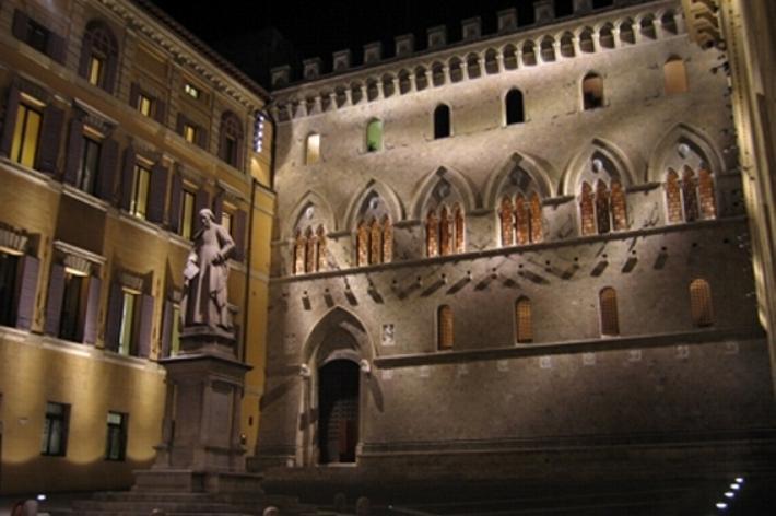 Arrivano i fondi d'investimento a Rocca Salimbeni