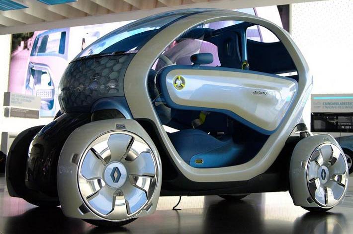 Mobilità sostenibile: arriva Twizy, urban crosser elettrico