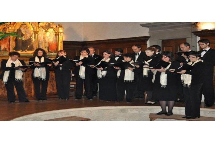 Il coro Agazzari ed il maestro Mancini in concerto