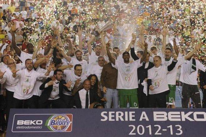 Mens Sana Basket Spa, revocati cinque trofei
