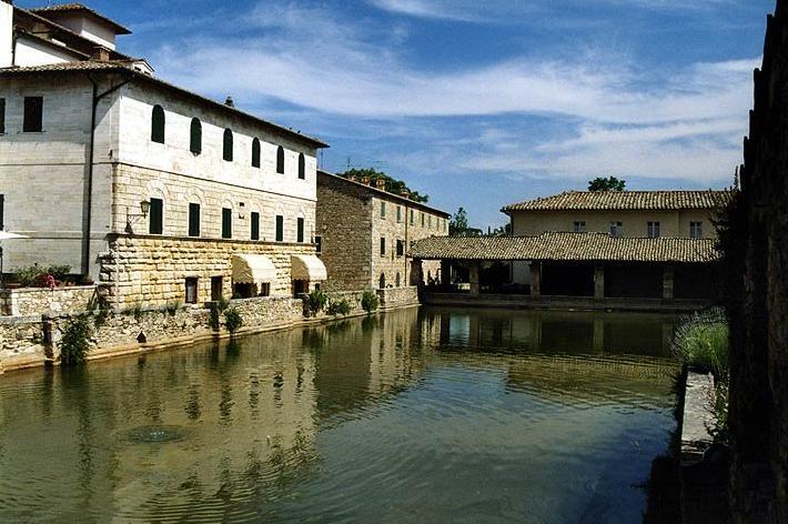 Nuovo stabilimento termale pubblico di Bagno Vignoni, via ai lavori