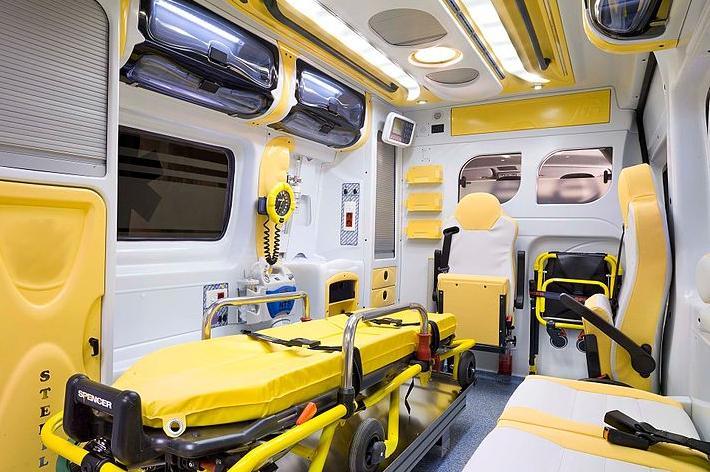 Siena, medico giù e su dall'ambulanza; Marchetti e Mugnai (FI) intervengono