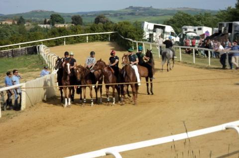 Palio: corse di addestramento a Mociano