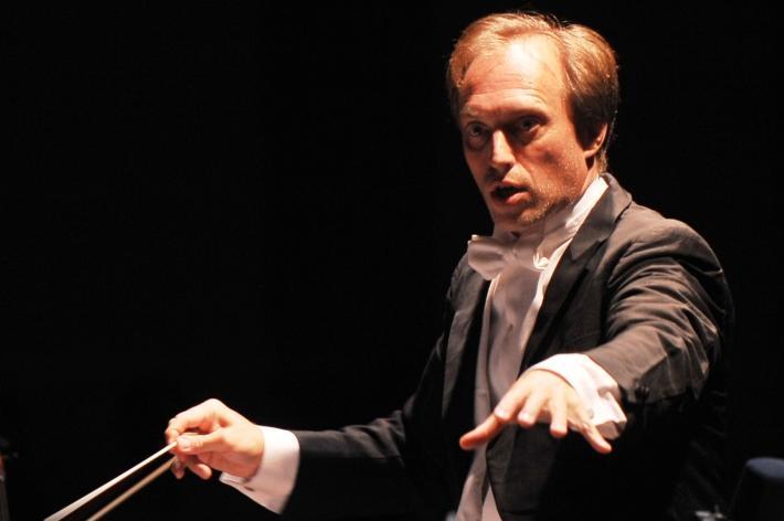 Roland Böer è il direttore artistico del Cantiere